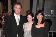 Phoebe cates is married to kevin kline phoebe cates for Phoebe cates and kevin kline wedding photos