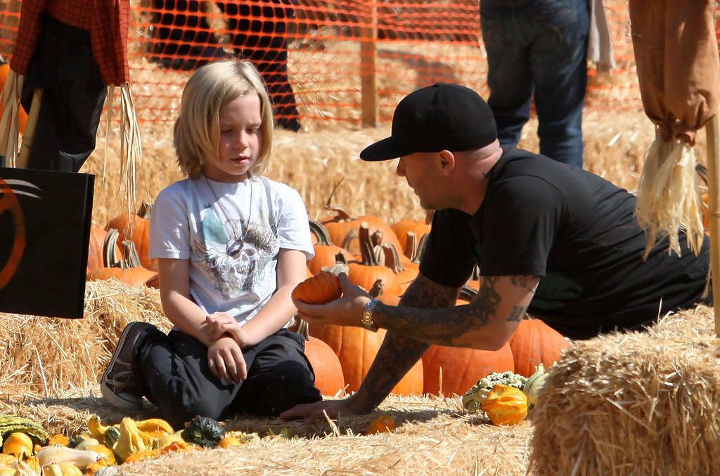dallas durst in fred durst taking his to the pumpkin