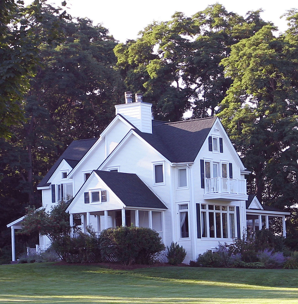 GV: Amy Smart And Carter Oosterhouse Marry At This Home In