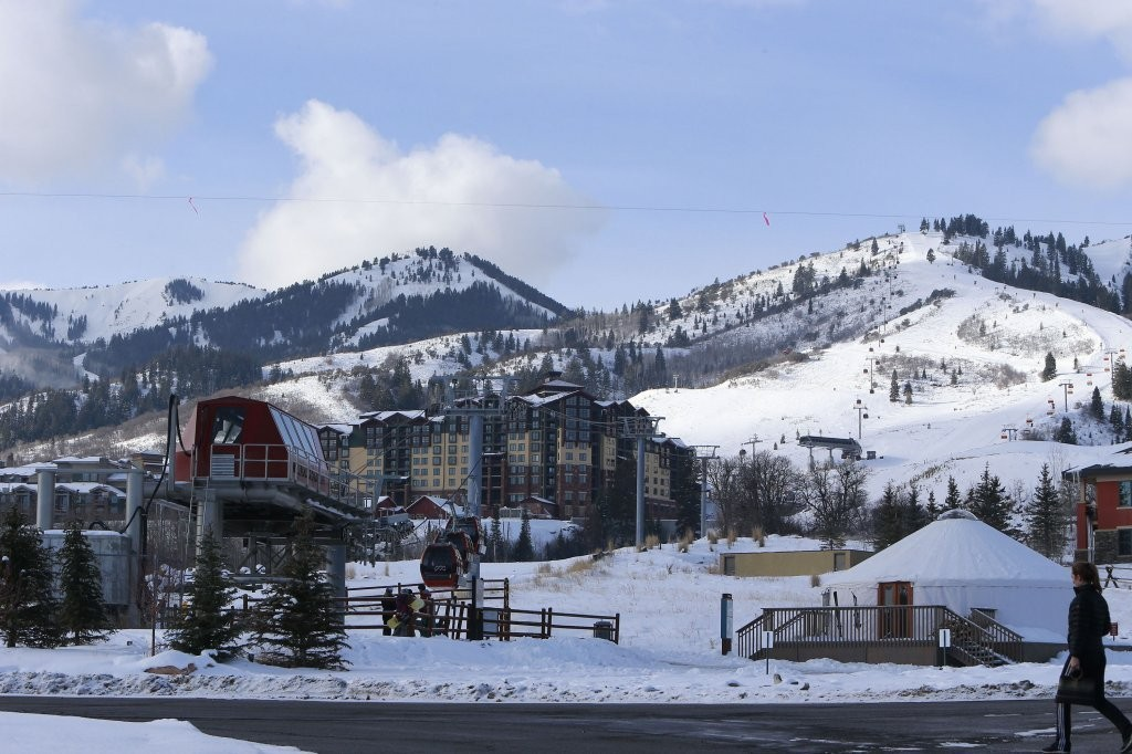 Gvs of taylor swift harry styles 39 park city romantic for Weekend getaways in utah for couples