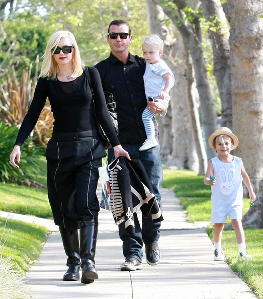 Gwen Stefani In Gwen Stefani And Family At A Relatives