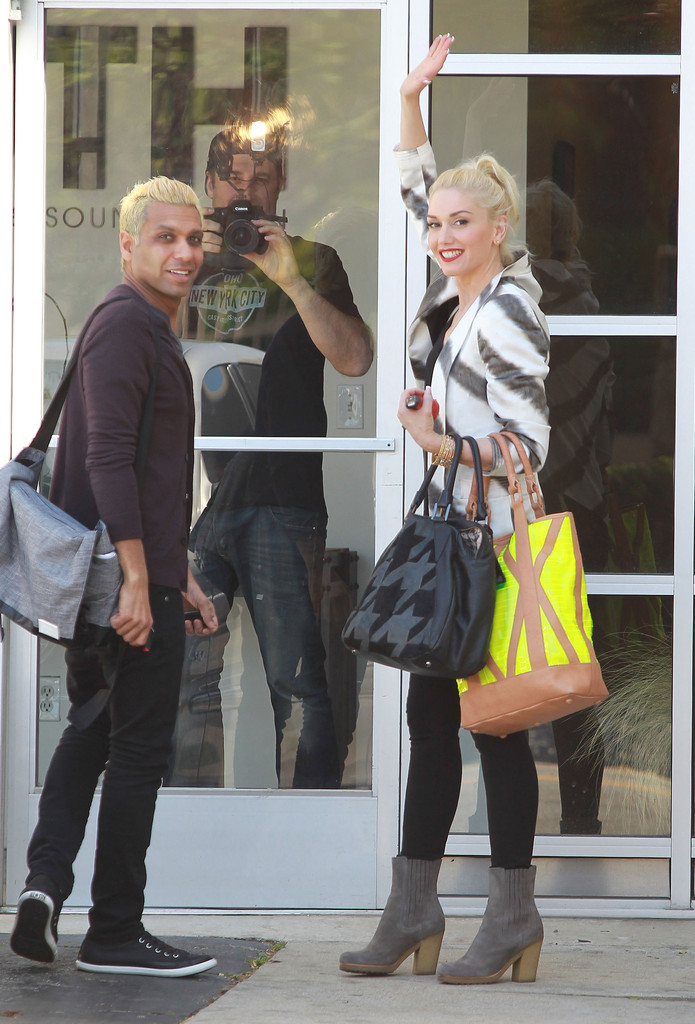 gwen stefani dating tony kanal The lovely foursome the 47-year-old american pop star gwen stefani took few  gwen's public image gwen stefani is the owner  while dating tony kanal who.
