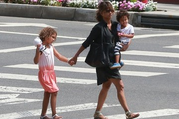 Halle Berry Halle Berry Lunches with Her Children