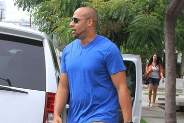 Hank Baskett Hank Baskett and His Son Go Shopping