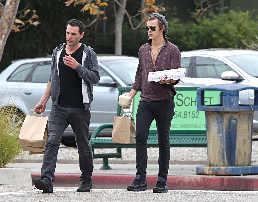 bc1f854dd343 Harry Styles Photos - Harry Styles Gets Food To Go - 2198 of 6293 ...