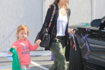Haven Warren Jessica Alba Goes Out with Her Family in Santa Monica