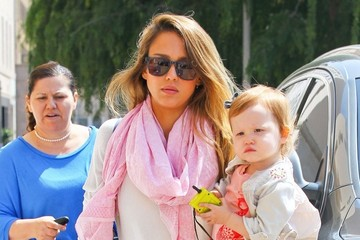 Haven Warren Jessica Alba Shops With Her Daughter