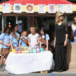 Leni Klum-Samuel Heidi Klum Brings The Crowds To The Cookie Stand For Leni's Girl Scout Troop