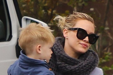 Hilary Duff Hilary Duff Gets Breakfast With Her Son