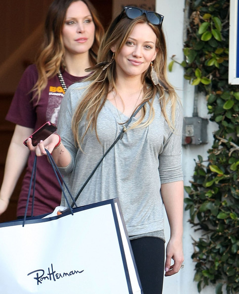 http://www4.pictures.zimbio.com/fp/Hilary+Duff+Out+Shopping+Fred+Segal+ONnwJ8WUW7vl.jpg