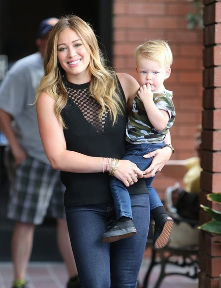 Hilary Duff Takes Luca To A Baby Cl Part 3