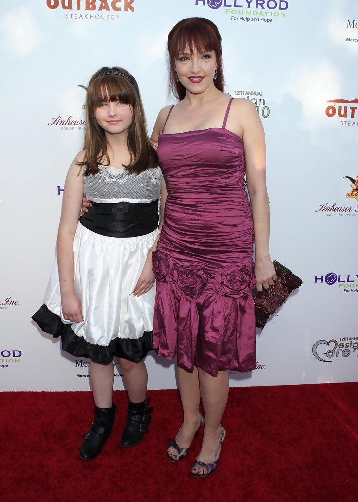Stella Ritter with mother Amy Yasbeck