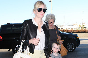 Ignatius Upton Cate Blanchett And Family Departing On A Flight At LAX