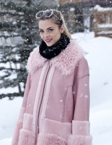 Jaime King Steps Out in Snowy Park City