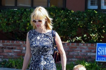 January Jones January Jones Takes Her Son to the Doctor