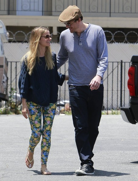 Jason Segel Out For Lunch With His New Girlfriend - Zimbio