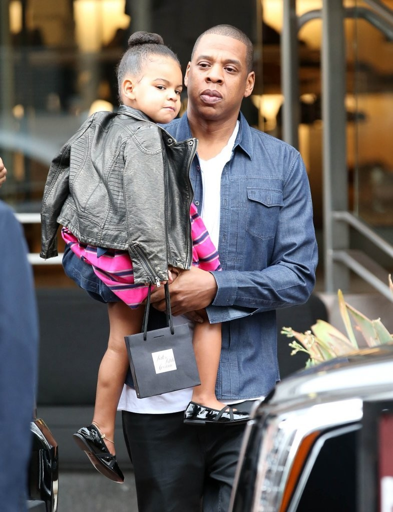 Jay Z Photos Photos Jay Z And Beyonce Take Blue Ivy