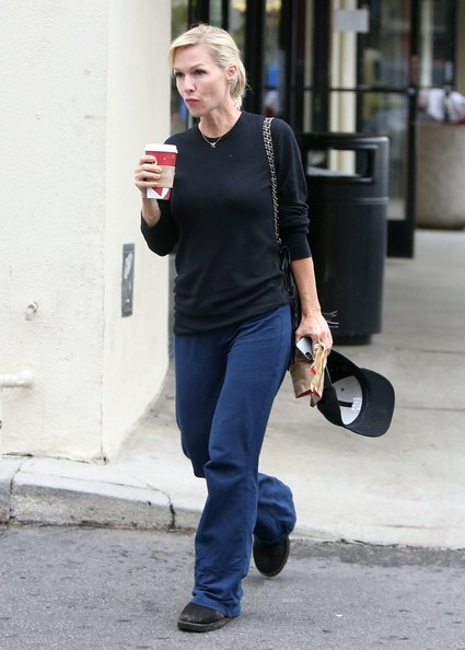 Jennie Garth Grabs Her Caffeine Fix []