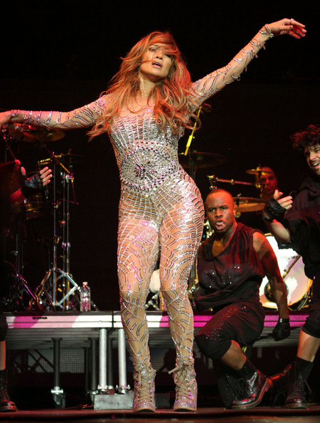 How do you make a catsuit in the sims 3 yahoo answers Where does jennifer lopez live