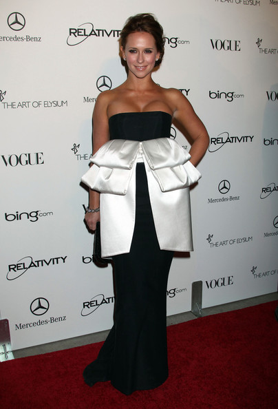 Jennifer Love Hewitt 2011 fashion