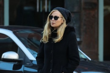 Jennifer Westfeldt Jennifer Westfeldt Takes A Stroll In NYC