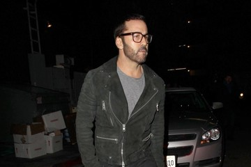 Jeremy Piven Celebrities Dine Out At The Nice Guy Restaurant
