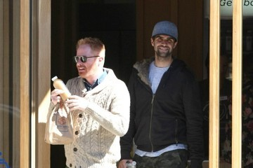 Jesse Tyler Ferguson Jesse Tyler Ferguson and Justin Mikita in Beverly Hills