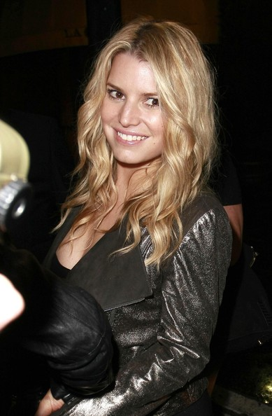 jessica simpson hairstyles 2010. Jessica+Simpson in Jessica