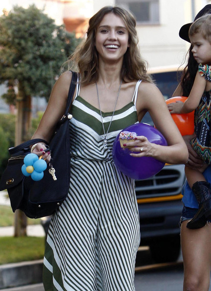 Jessica Alba And Daughter Honor At A Birthday Party