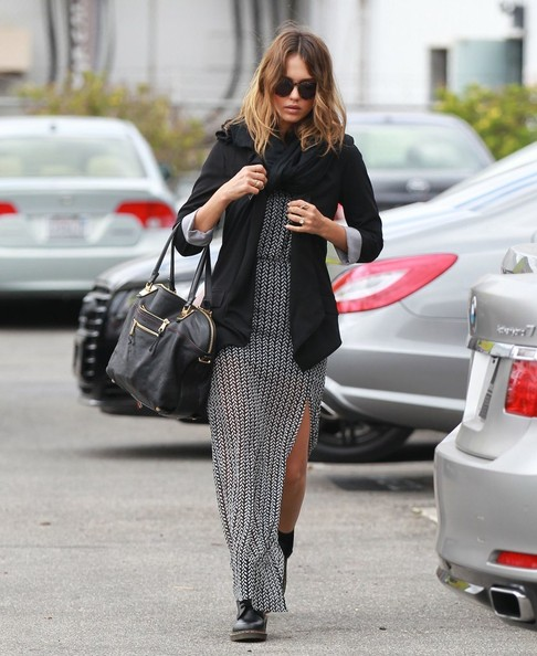 'Sin City: A Dame to Kill For' star Jessica Alba heads to her office on May 21, 2014 in Santa Monica, California. Jessica is reprising her role from the original 'Sin City' film from 2005, nearly a decade later!