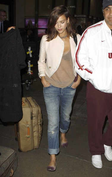 Jessica Alba Actress Jessica Alba arriving back to Los Angeles after attending the 67th Venice Film Festival in Venice, Italy.