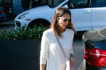 Jessica Alba Jessica Alba & Cash Warren Shop In Beverly Hills
