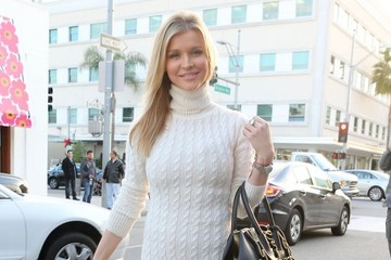 Joanna Krupa Joanna Krupa Out For Lunch In Beverly Hills