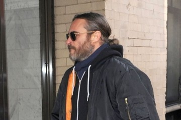 Joaquin Phoenix Friends Visit Mimi O'Donnell in NYC