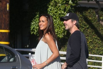 John Beverly Amos Land Dania Ramirez and Her Husband Grab Lunch