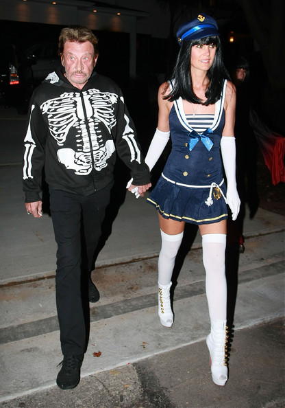 Johnny Hallyday Gwen Stefani, Tony Kanal, Adam Sandler, Johnny Hallyday, Leonardo DiCaprio, Nicole Richie, David Spade, Kurt Russell, Amanda Seyfried and other guests at Kate Hudson's Halloween Party in Pacific Palisades, CA. Leo kept his mask on so no photographer could get a picture of his face.