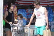 Johnny Knoxville & Family Grocery Shopping In Malibu