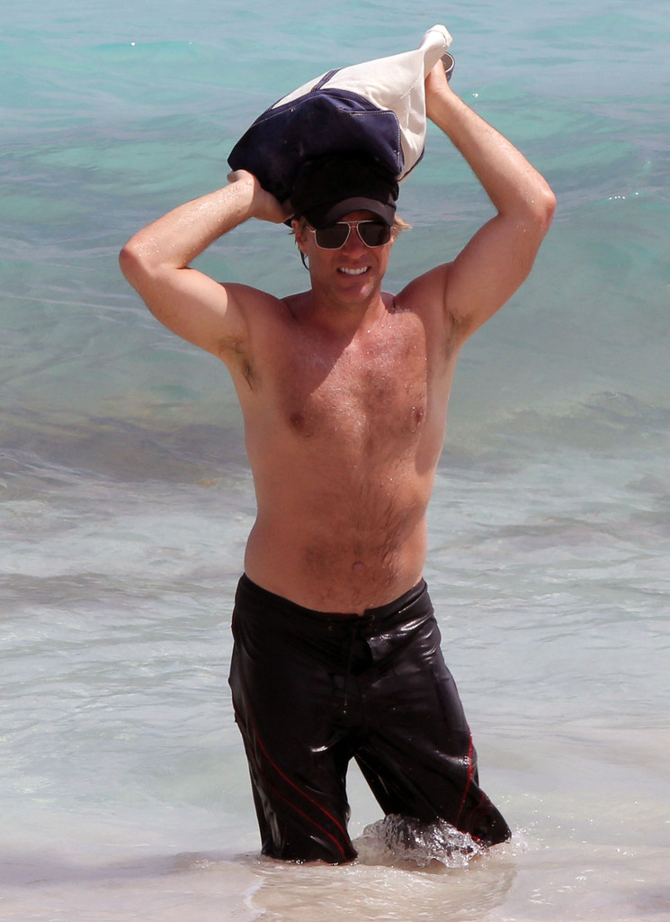 Jon Bon Jovi Photos Photos Jon Bon Jovi Hits The Beach