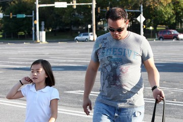 Mady Gosselin Jon Gosselin Picking Up Mady And Cara From The Bus Stop