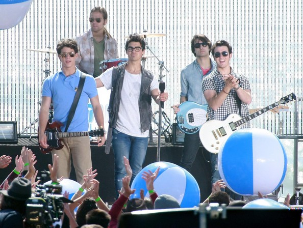 Kevin, Nick and Joe Jonas playing a concert on the set of 'Jonas L.A.' in Santa Monica, CA.