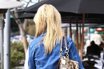 Josie Davis Josie Davis Has Lunch in Beverly Hills