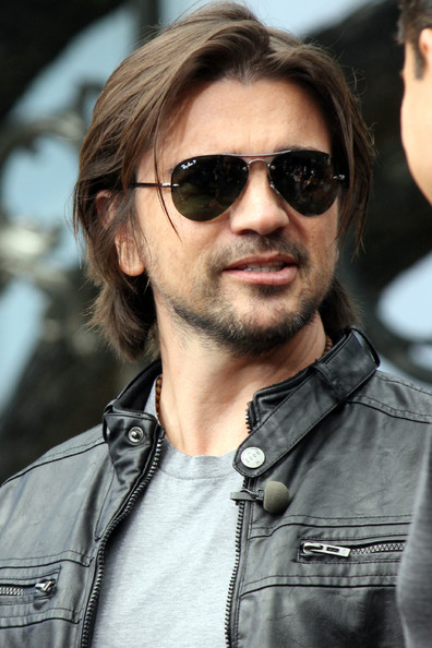 juanes colombian cross over sensation juanes promoted his newest cd