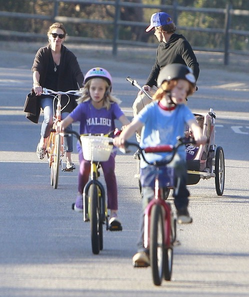 Julia Roberts Bikes with Her Family