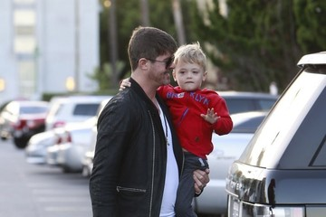 Julian Thicke Robin Thicke Shops For Groceries With His Son