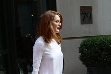 Julianne Moore Julianne Moore Steps Out in NYC