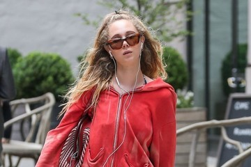 Juno Temple Juno Temple Roams out and About in NYC