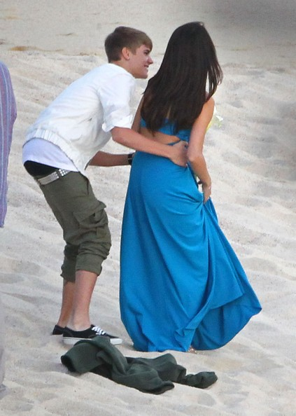 Justin+Bieber in Justin and Selena Make Out at a Wedding