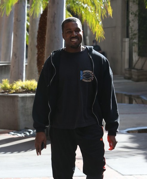 b6f9a78d4fd5 Kanye West Photos Photos - Kanye West Greets Fans While Heading To ...
