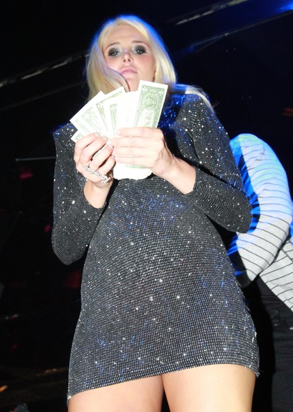 Kristina rs giving up her ass at a club