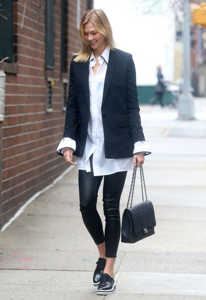 karlie kloss heads out in nyc zimbio. Black Bedroom Furniture Sets. Home Design Ideas